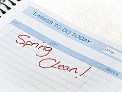 spring-cleaning-an-apartment-101