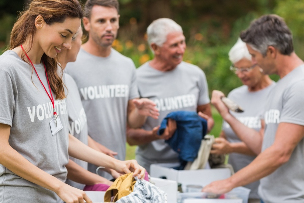 4 Great Ways You Can Help Others This Holiday Season