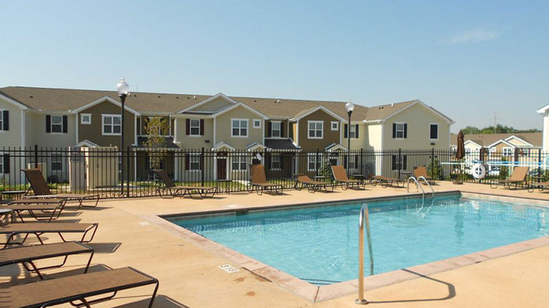 Pool at Springs at Bettendorf Apartments in Quad Cities