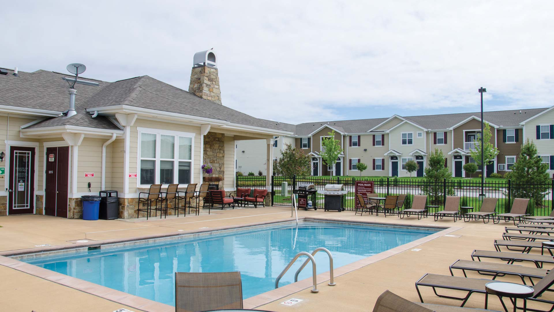 Pool at Springs at Bettendorf Apartments