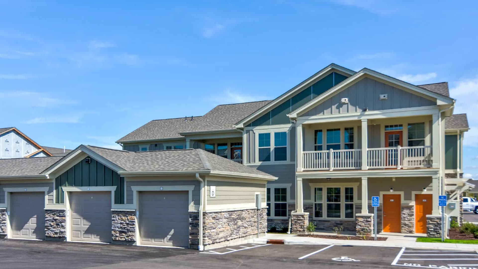 Townhome Apartment Exterior in Apple Valley at Springs at Cobblestone Lake 2