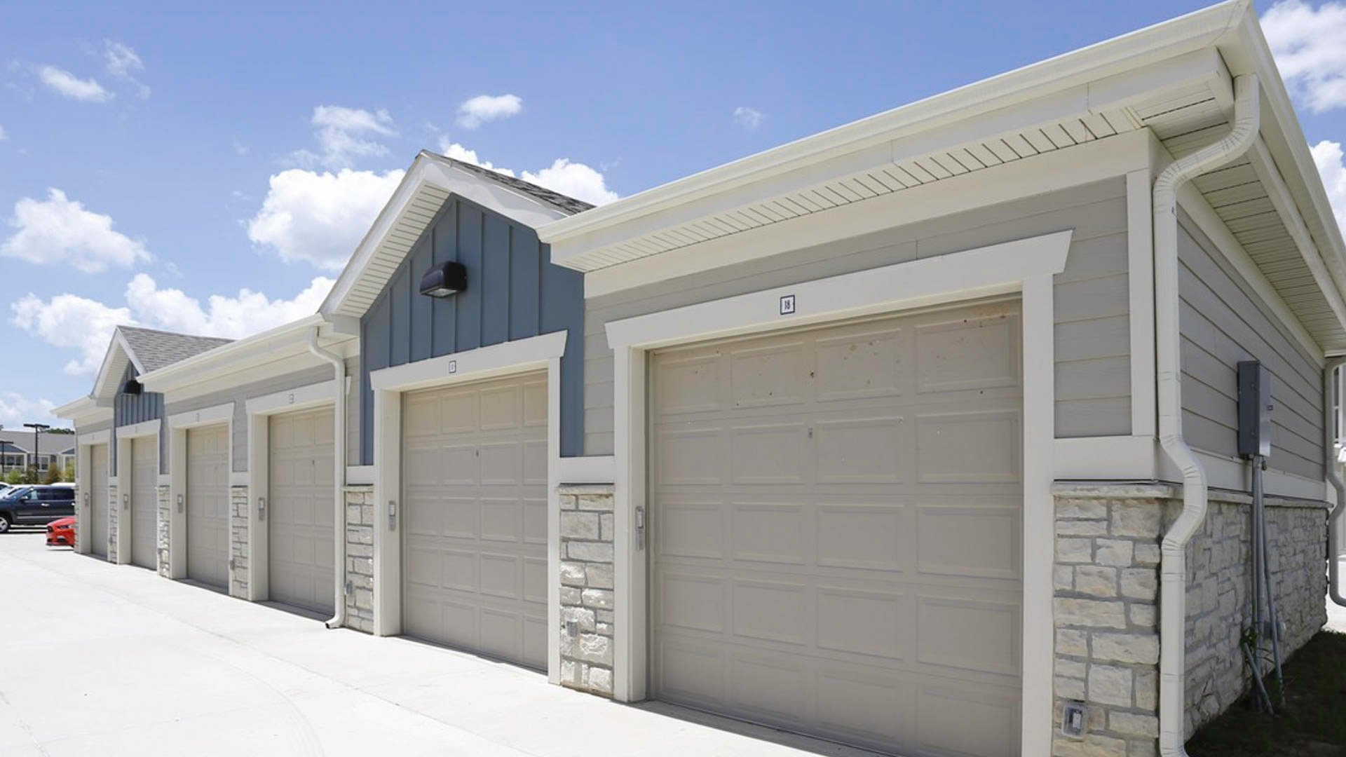 Springs at Country Club detached garages