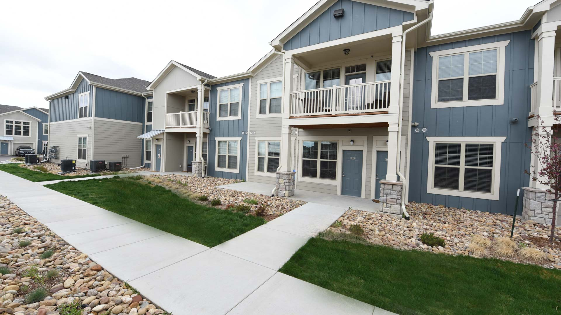 Manicured Lawns at Springs at Foothill Farms in Colorado Springs-31