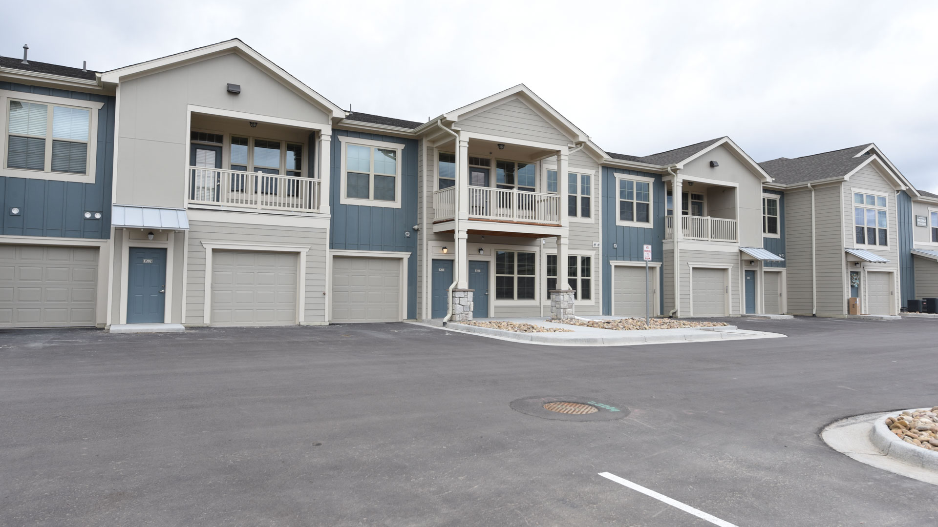 Townhome apartments at Springs at Foothill Farms in Colorado Springs-38