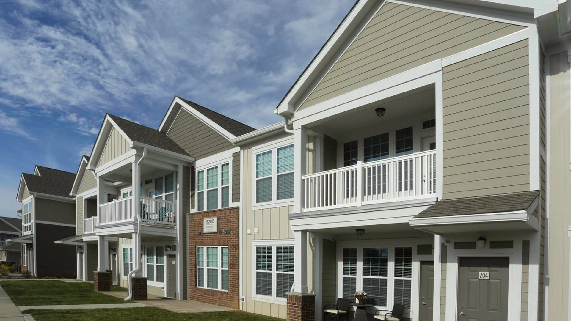 Springs at Hurstbourne apartment exteriors