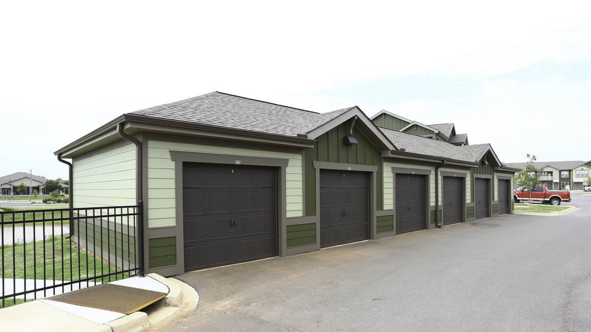 Springs at May Lakes detached garages