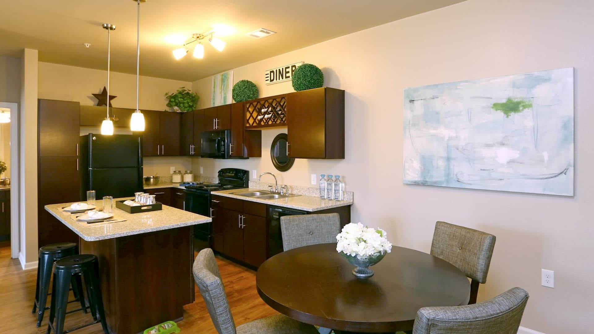 springs-at-orchard-road-apartments-north-aurora-il-2br-2ba---kitchen (2)