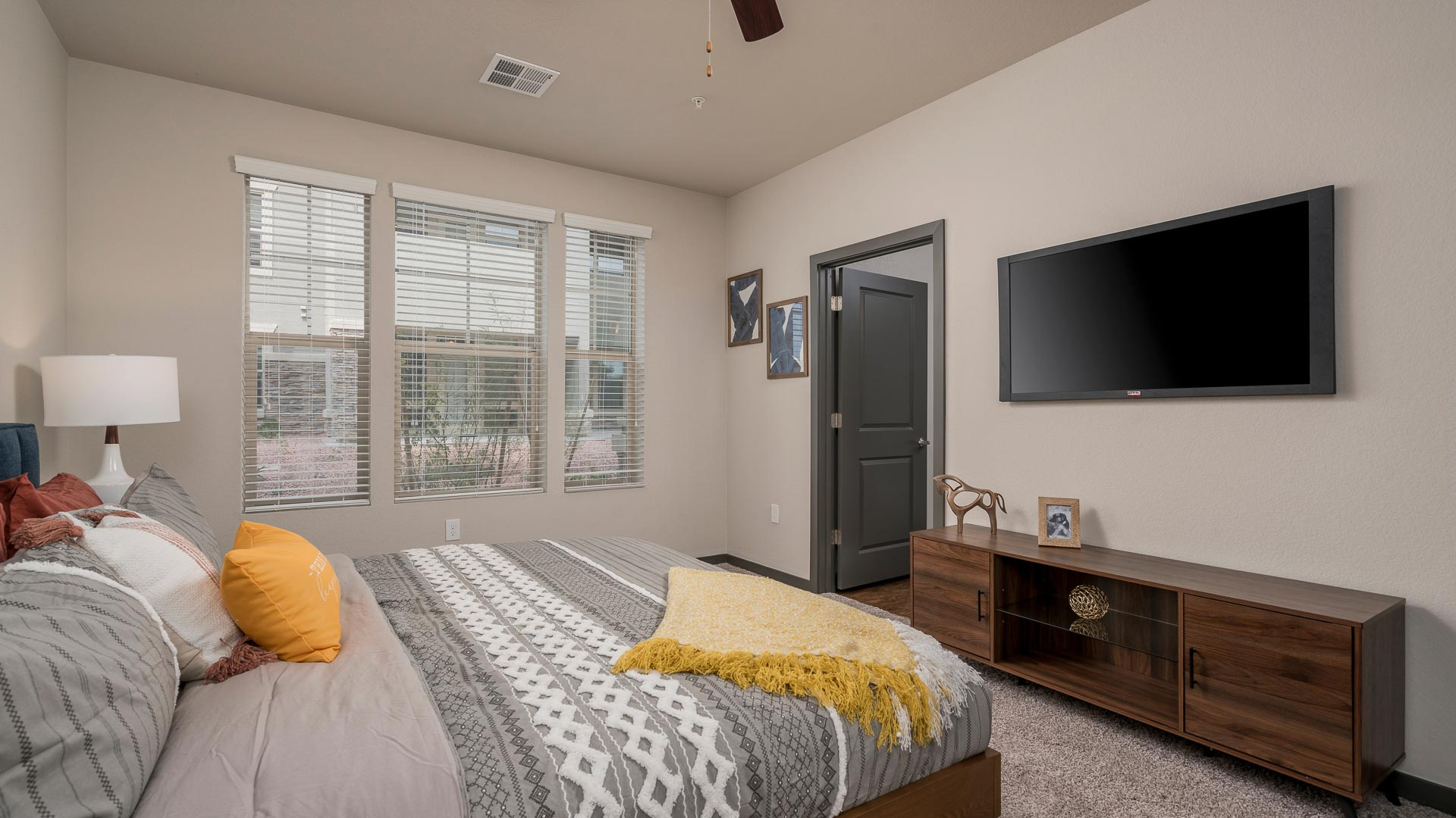 Springs at Red Mountain Luxury Apartments for Rent In Mesa, AZ-13
