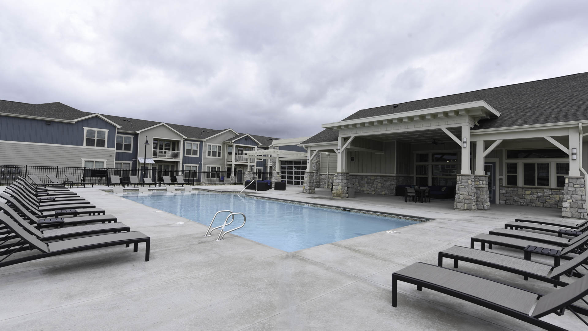 Springs at Sandstone Ranch pool and clubhouse