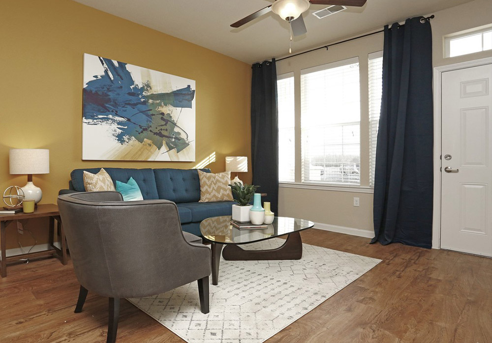 Apartment Living Room with Private Entry in Rochester, MN