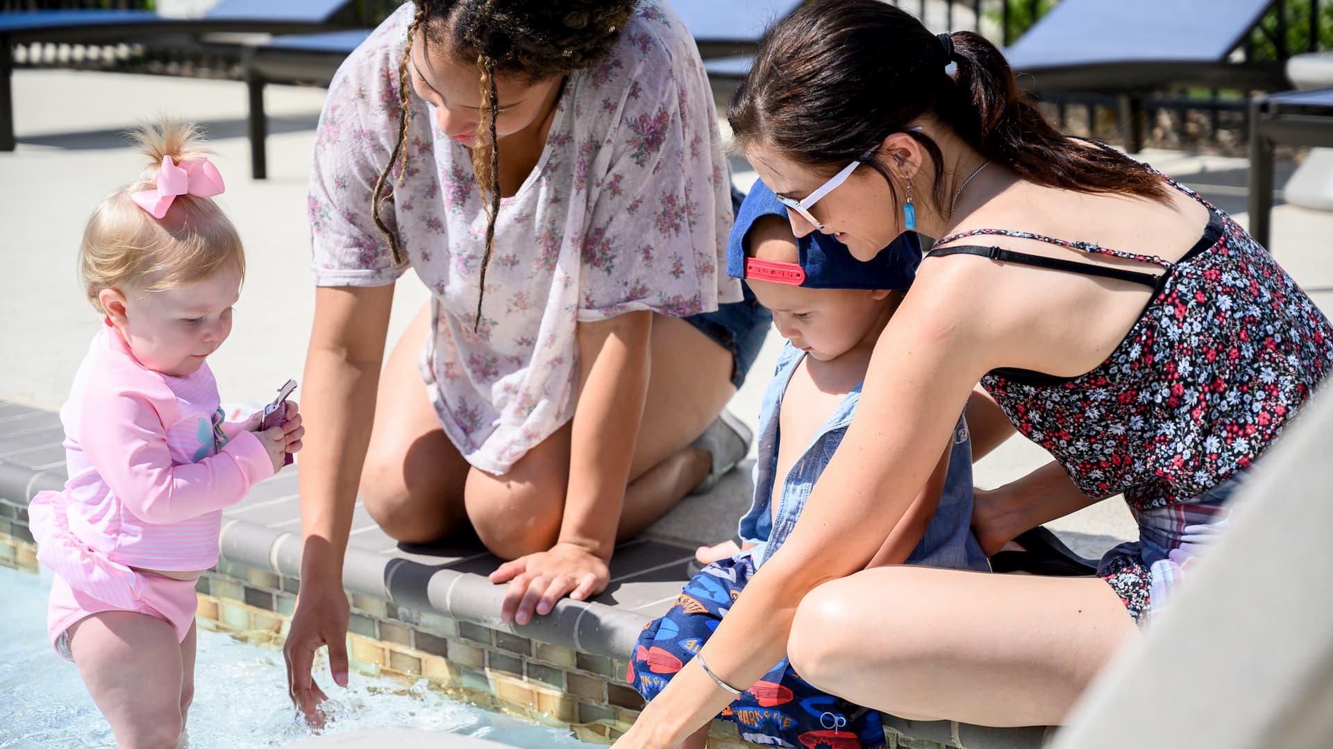 Kids at Springs at McKinney Pool (1)