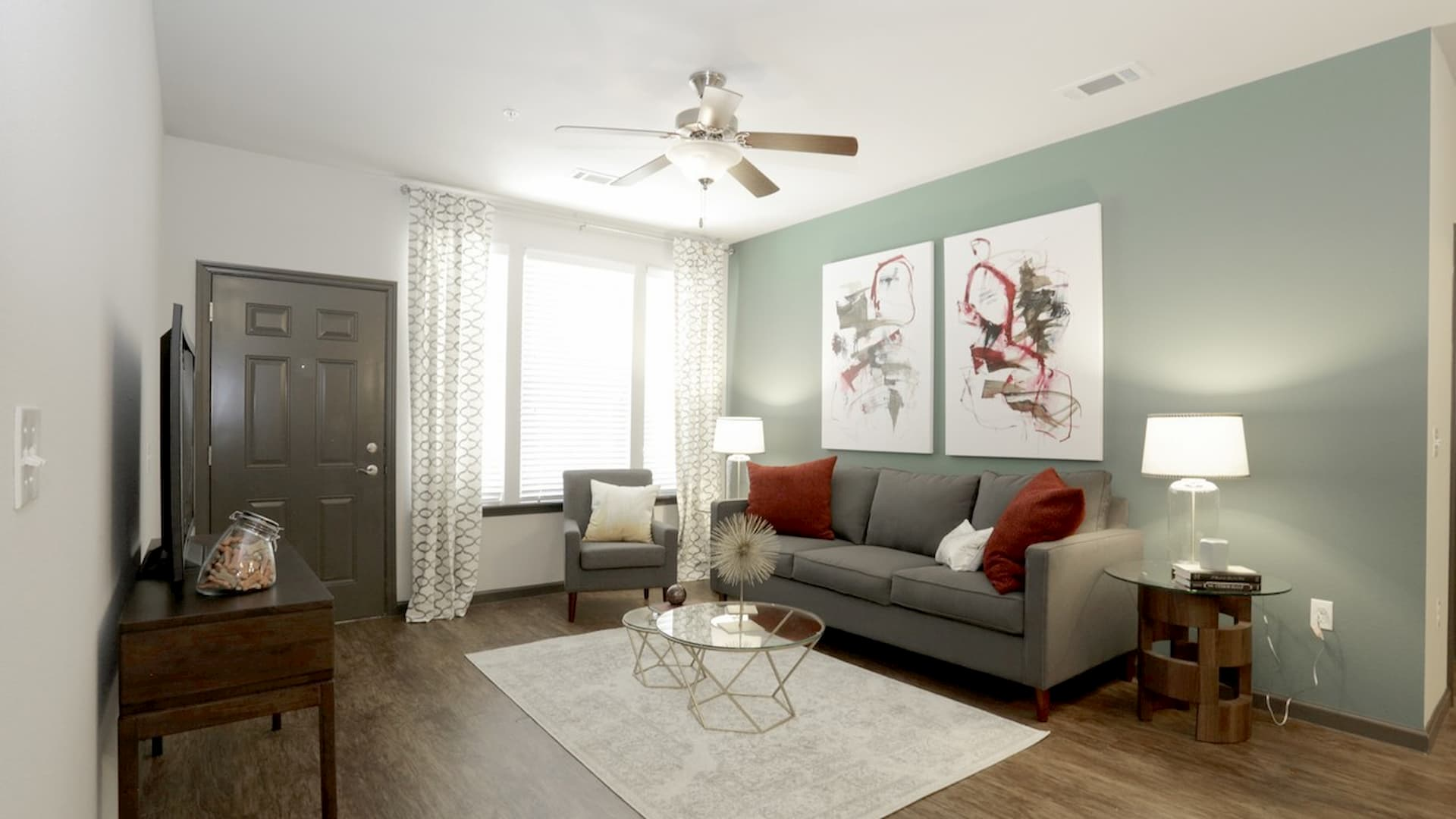 springs-at-south-elgin-south-elgin-il-2br-grand-courtyard---living-room (1) (1)
