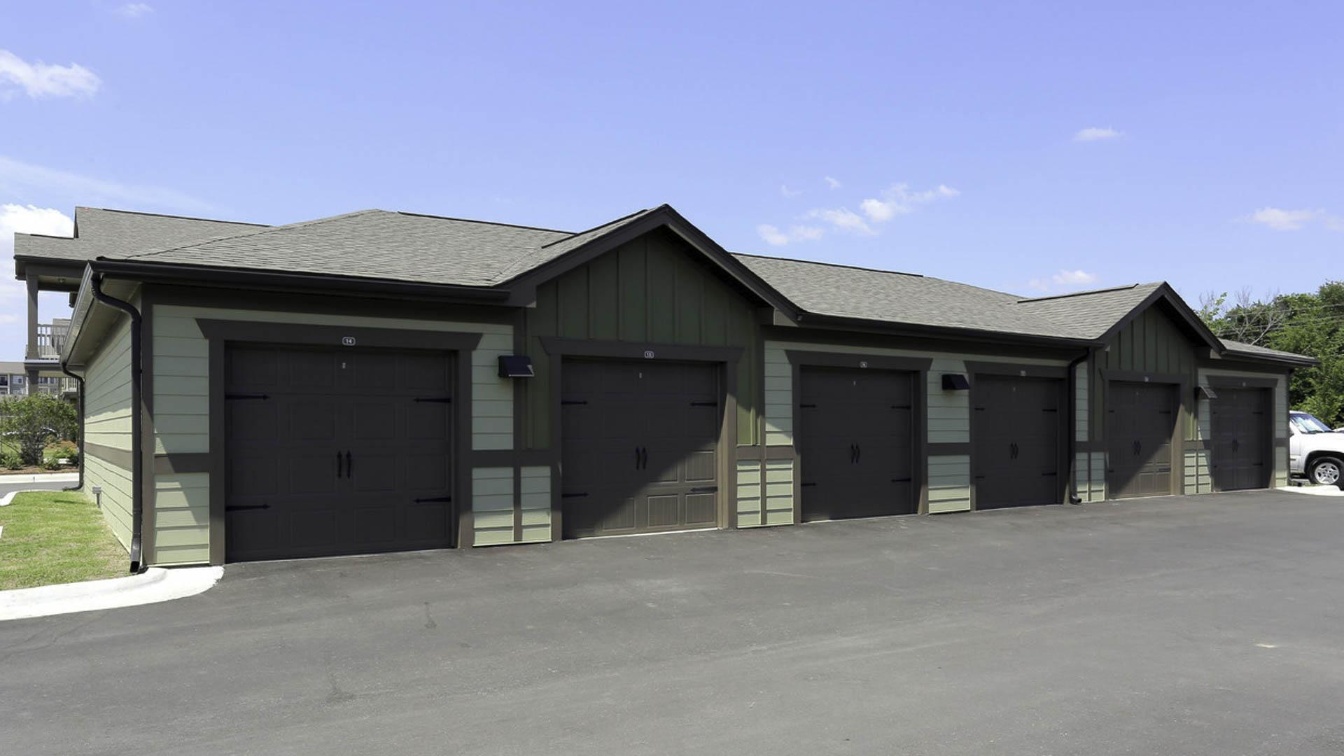 Springs at Woodlands South detached garages