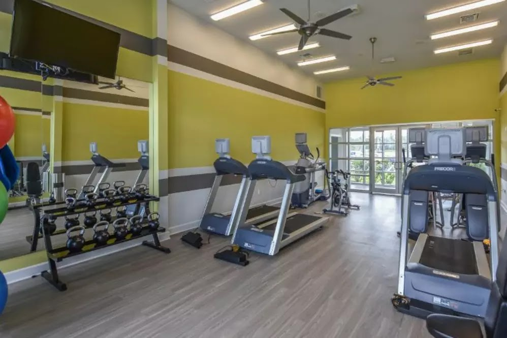 South Elgin, IL Luxury Apartments for Rent   Springs at South Elgin