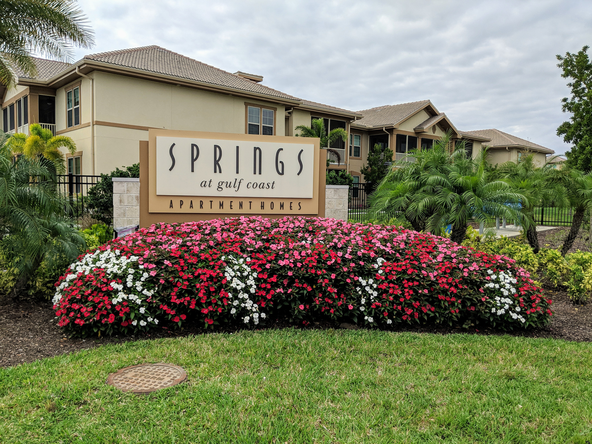 Springs at Gulf Coast sign and exterior
