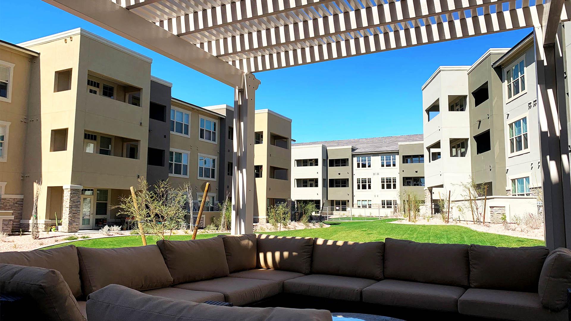 Luxury Apartments in Meza, AZ with outdoor lounge area