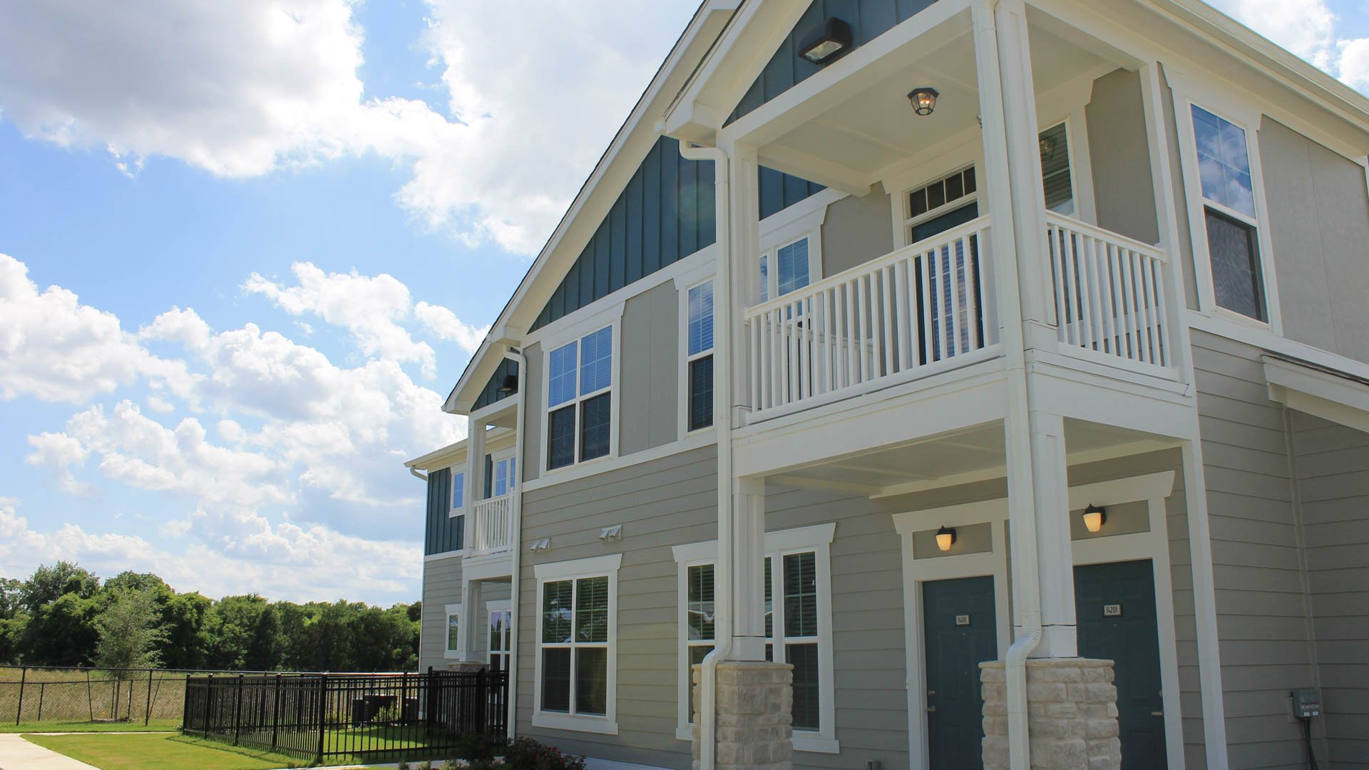 Townhome Exterior in North Austin at Springs at Lakeline Apartments-48