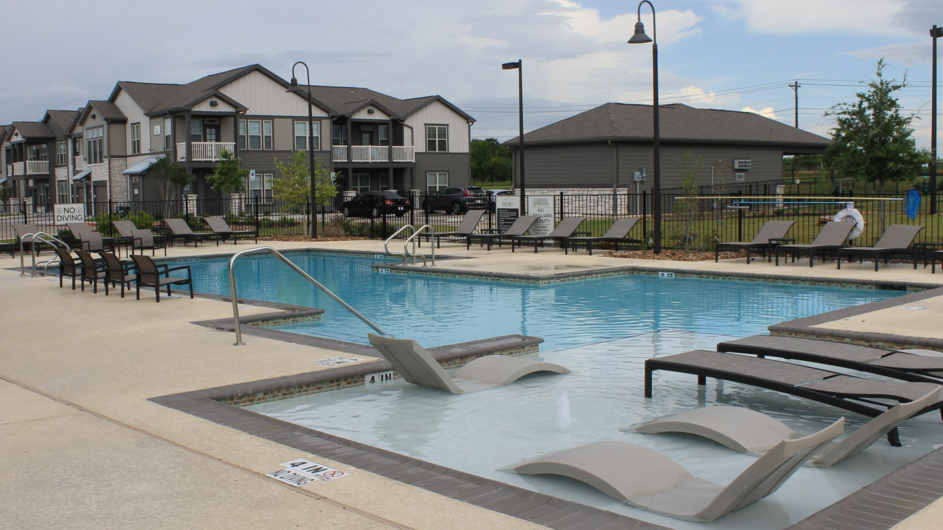 Springs at University Drive Apartments in Bryan, Texas_-11