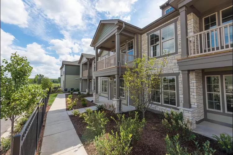 Apartments & Townhomes near Lewis University in Valley ...