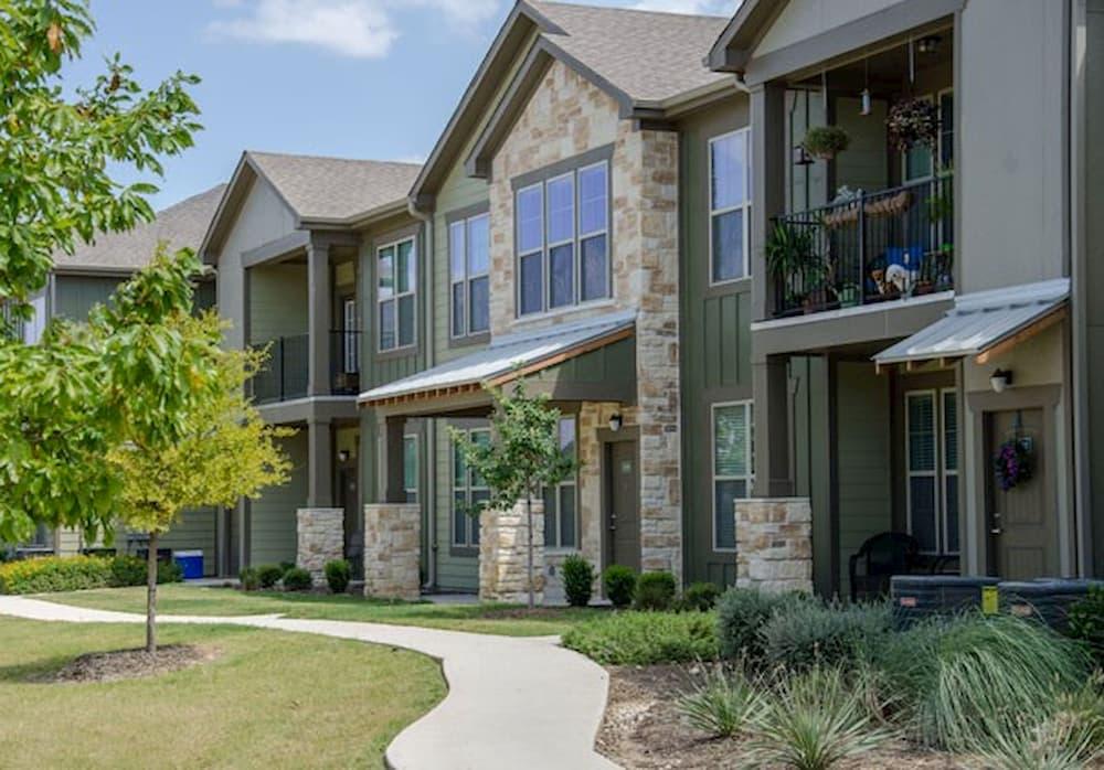 springs-at-alamo-ranch-apartments-san-antonio-tx-building-photo (5)