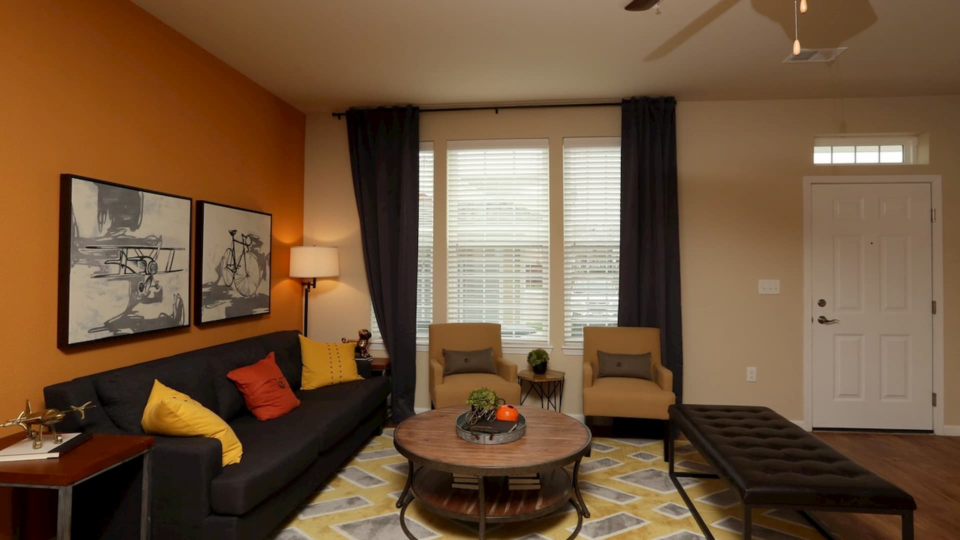 springs-at-apple-valley-apple-valley-mn-1br-1ba-grand-courtyard (1)