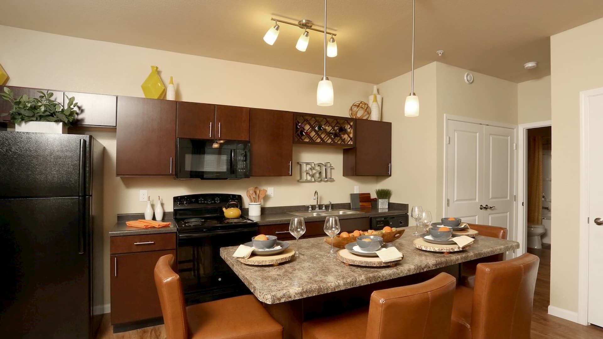 springs-at-apple-valley-apple-valley-mn-1br-1ba-grand-courtyard (2) (1)