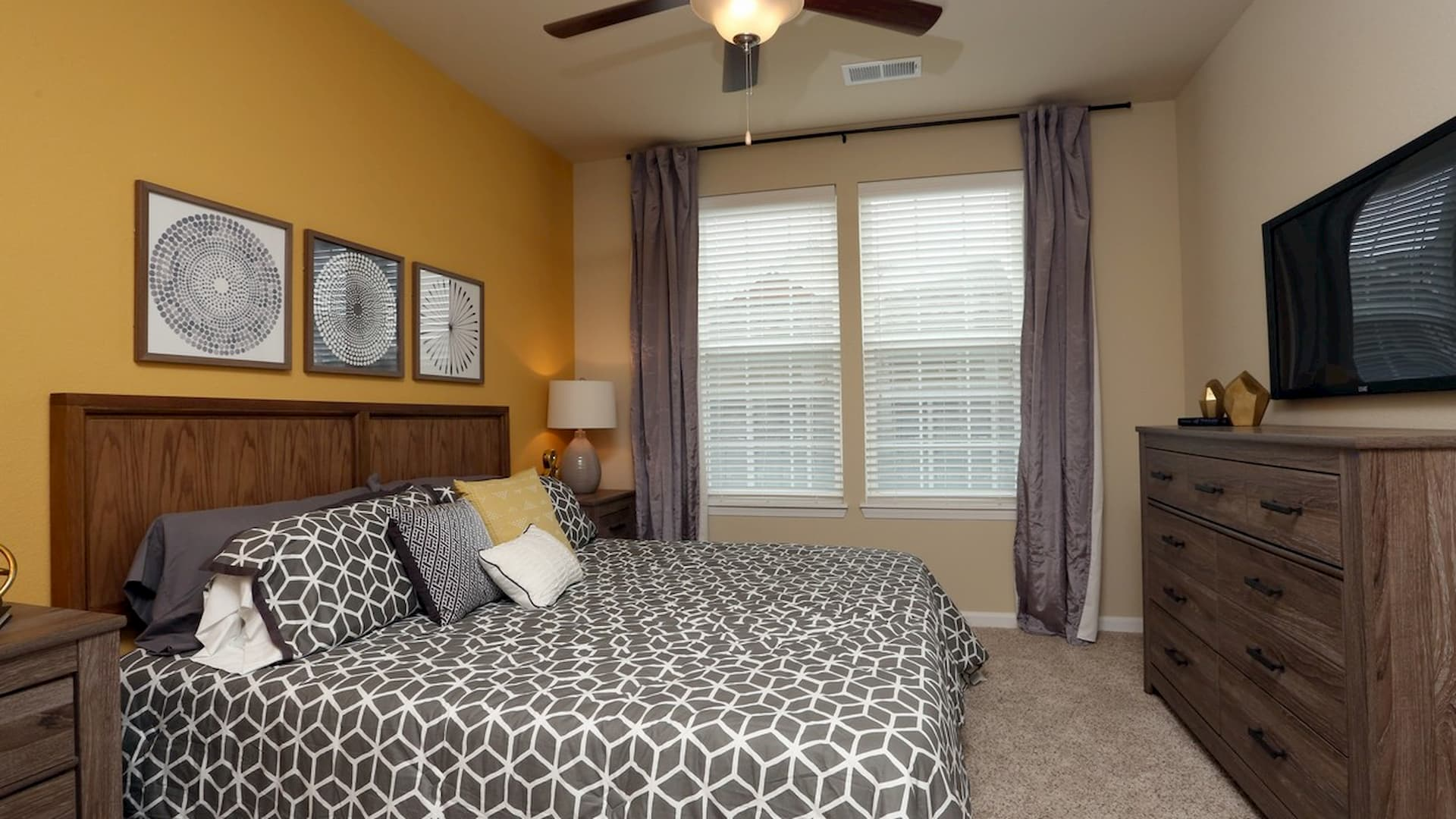 springs-at-apple-valley-apple-valley-mn-1br-1ba-grand-courtyard (4) (1)