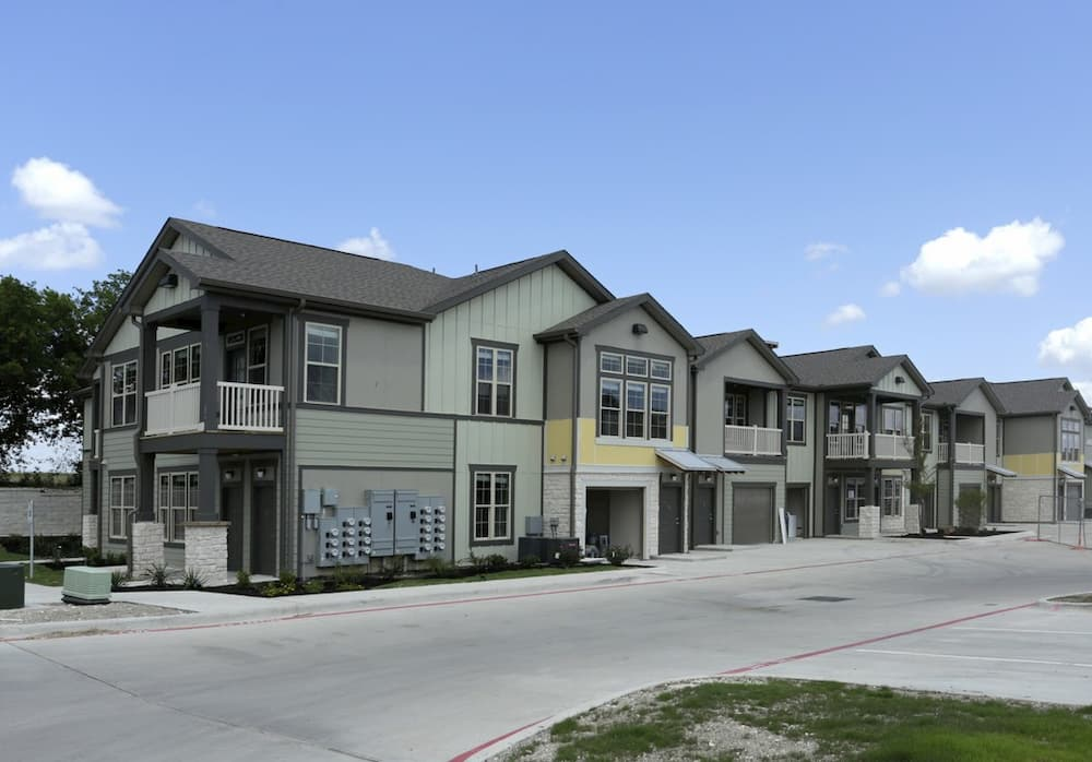springs-at-cottonwood-creek-apartments-waco-tx-building-photo (9)